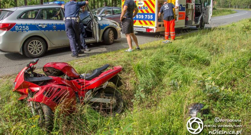 Na sygnale, Wypadek nietrzeźwego motocyklisty AKTUALIZACJA - zdjęcie, fotografia