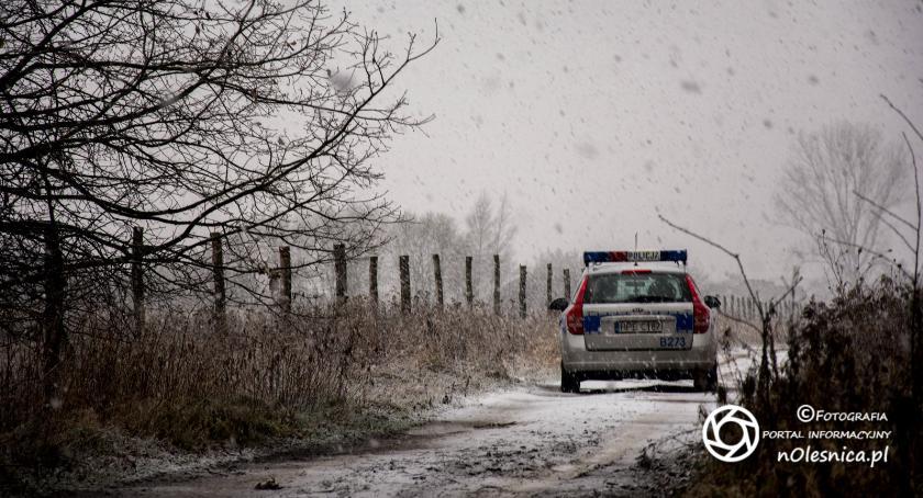 Na sygnale, latek powiesił myśliwskiej ambonie Dobroszycach - zdjęcie, fotografia