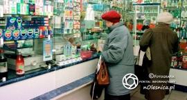 seniorzy-dostana-leki